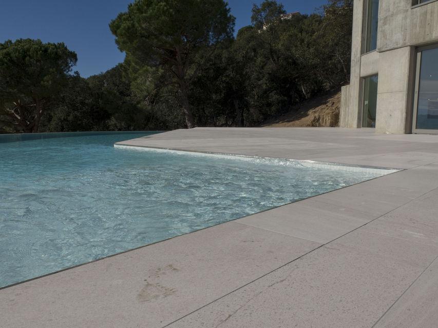 Piscines borrell construcci n e instalaci n de piscinas for Piscina la selva