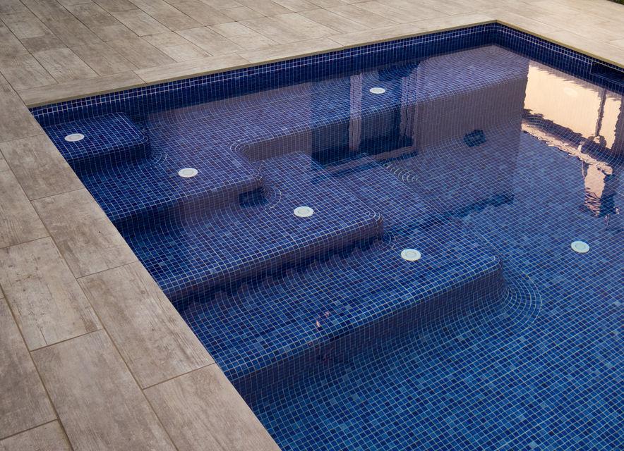 Piscines borrell dise o y construcci n de tu piscina en - Piscina devesa girona ...