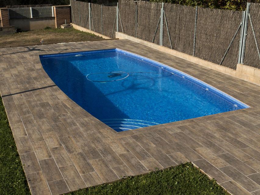Piscines borrell dise o y construcci n de piscinas en girona - Diseno y construccion de piscinas ...